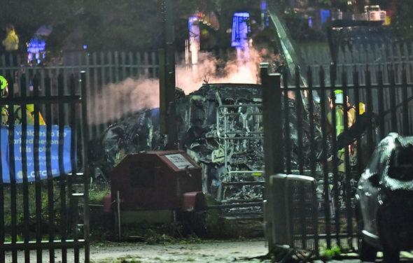 Vụ tai nạn máy bay trực thăng của chủ sở hữu Leicester: Tỷ phú Thái Lan Vichai Srivaddhanaprabha là ai? - Ảnh 3.