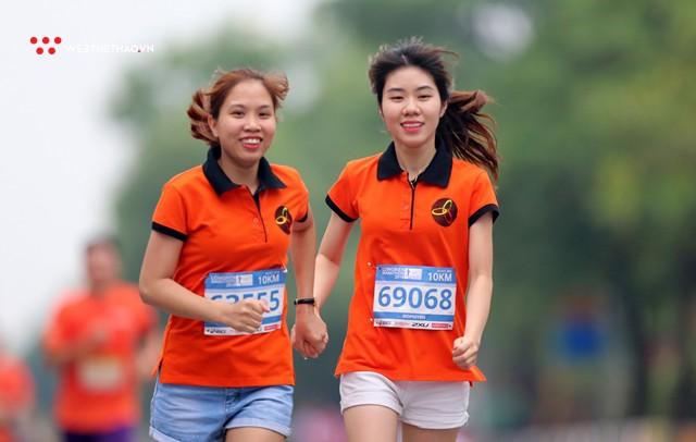 Longbien Marathon 2018: Nắm tay nhau về đích! - Ảnh 13.
