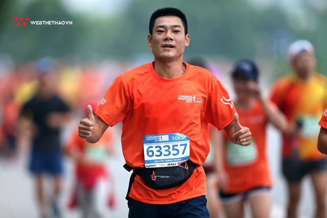 Longbien Marathon 2018: Nắm tay nhau về đích! - Ảnh 4.