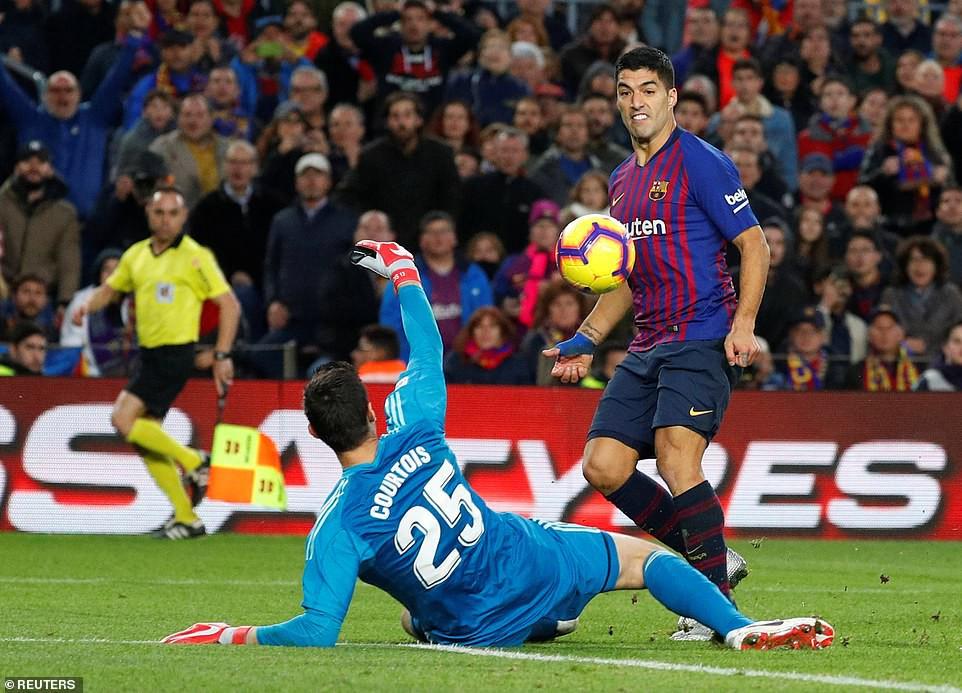 Barca khiến Real Madrid xây xẩm với chiến thắng bàn tay nhỏ - Ảnh 19.