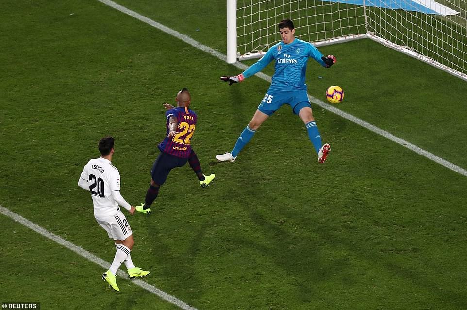 Barca khiến Real Madrid xây xẩm với chiến thắng bàn tay nhỏ - Ảnh 20.