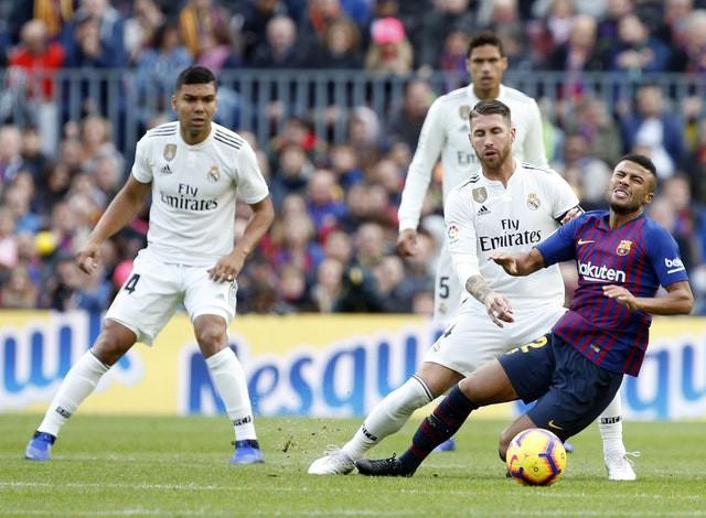 Barca khiến Real Madrid xây xẩm với chiến thắng bàn tay nhỏ - Ảnh 3.