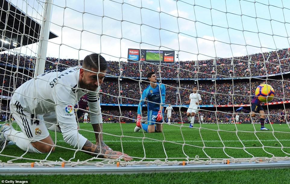 Barca khiến Real Madrid xây xẩm với chiến thắng bàn tay nhỏ - Ảnh 5.