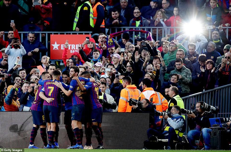 Choáng với kỷ lục bất bại và bàn thắng điện xẹt của Barca sau màn vùi dập Real Madrid - Ảnh 6.