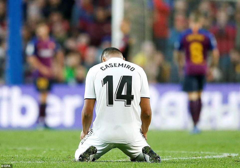 Barca khiến Real Madrid xây xẩm với chiến thắng bàn tay nhỏ - Ảnh 22.