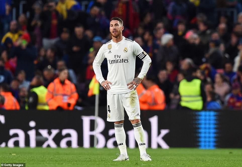 Barca khiến Real Madrid xây xẩm với chiến thắng bàn tay nhỏ - Ảnh 23.