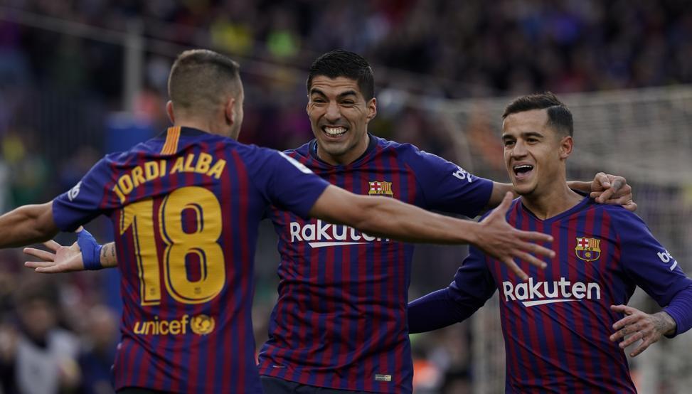 Choáng với kỷ lục bất bại và bàn thắng điện xẹt của Barca sau màn vùi dập Real Madrid - Ảnh 4.