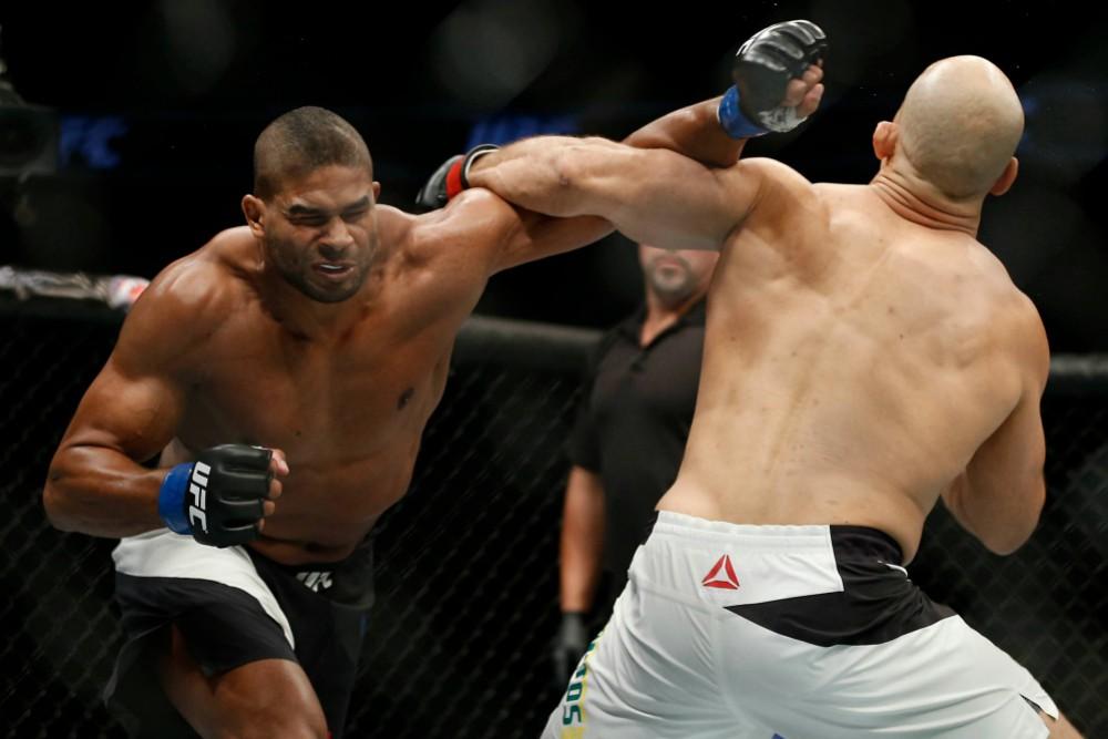 TRỰC TIẾP UFC Fight Night 141: Curtis Blaydes vs. Francis Ngannou 2 - Ảnh 12.