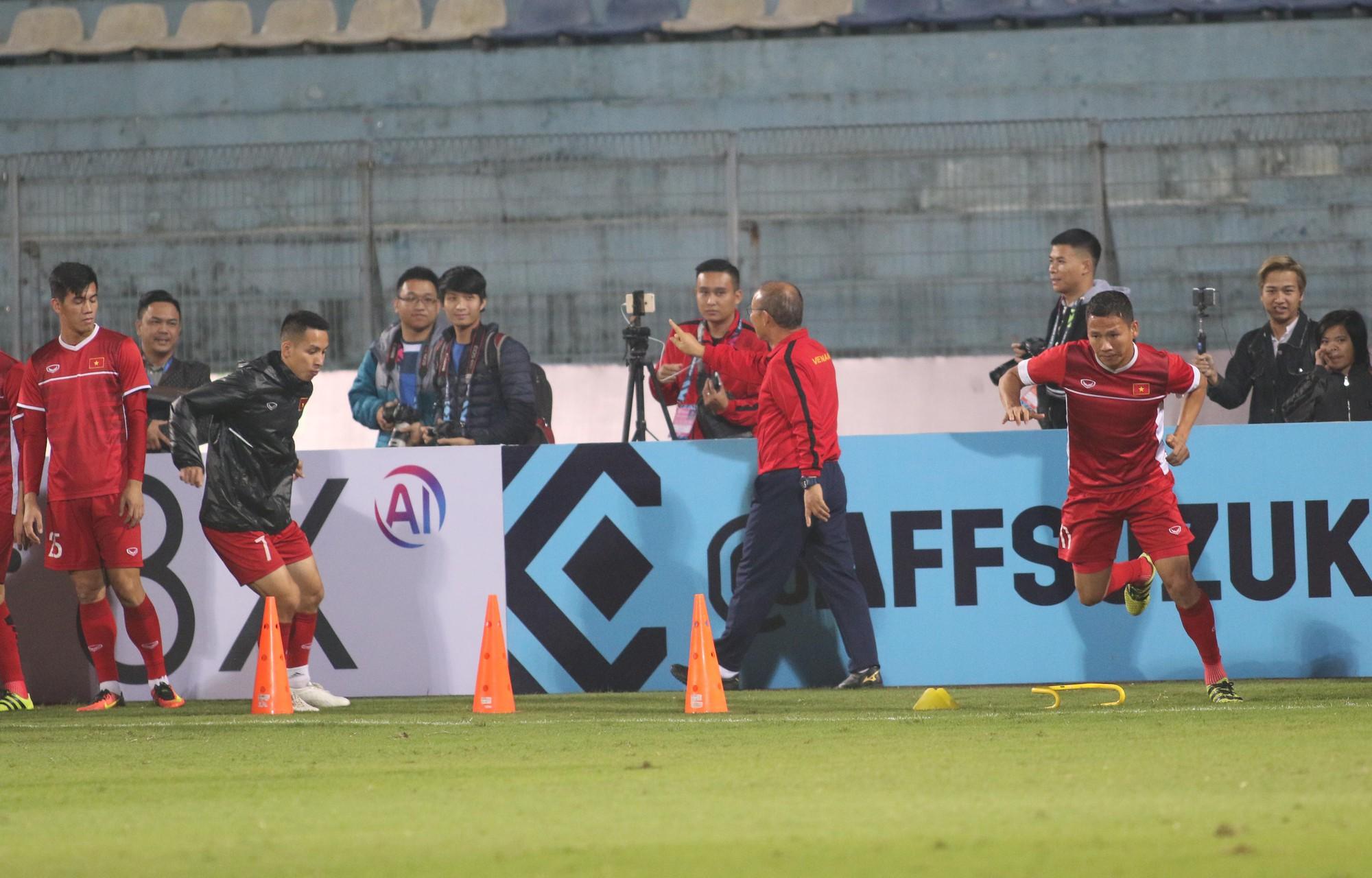 HLV Park Hang Seo cấm cầu thủ vượt rào trước trận gặp Campuchia - Ảnh 4.