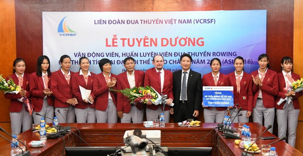 Rowing Đại hội TDTT toàn quốc 2018: Chủ nhà Hà Nội độc chiếm ngôi đầu - Ảnh 2.