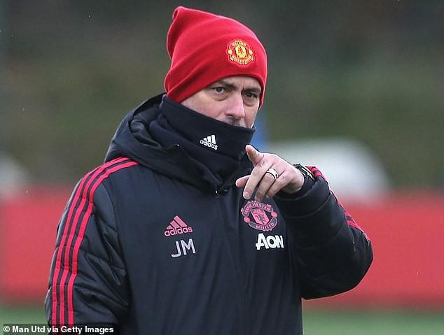 Chuyên gia Mark Lawrenson nhận định dự đoán tỷ số trận Man Utd - Crystal Palace - Ảnh 2.