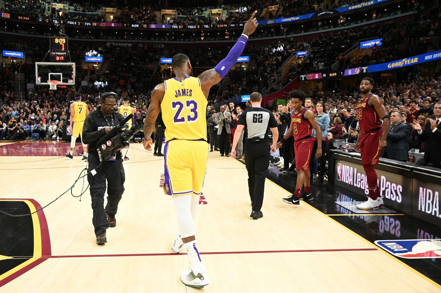 Không chỉ thi đấu bết bát, Cleveland Cavaliers còn bị ảnh hưởng kinh tế nặng nề sau khi LeBron James ra đi - Ảnh 1.