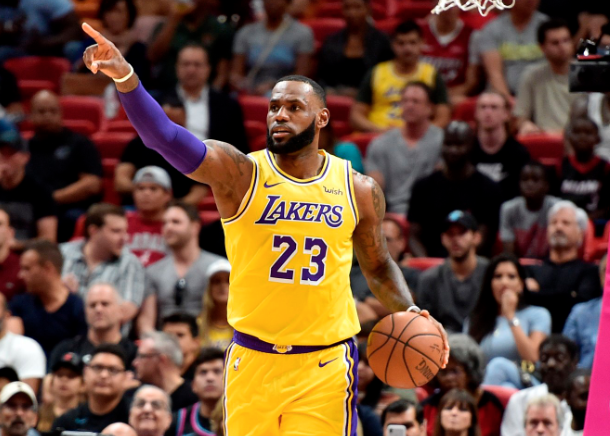 Đang thi đấu thăng hoa, LeBron James cùng Los Angeles Lakers có đủ sức chinh phạt miền Tây? - Ảnh 3.