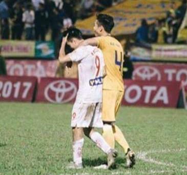 Văn Toàn buồn bã vì không thể đá trận Việt Nam vs Campuchia - Ảnh 2.