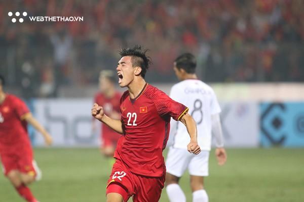 Chỉ cần 3 phút, Việt Nam hủy diệt Campuchia và sẵn sàng chờ Thái Lan ở bán kết AFF Suzuki Cup 2018 - Ảnh 3.