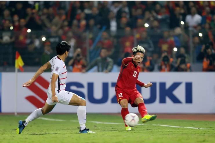 Truyền thông châu Á: Việt Nam quá mạnh cho Campuchia khi giành vé vào bán kết AFF Cup - Ảnh 4.