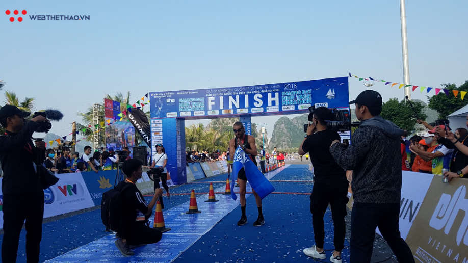 ĐKVĐ 100km VMM chịu thua kỷ lục gia 100km thế giới Lee Grantham ở Hạ Long - Ảnh 6.