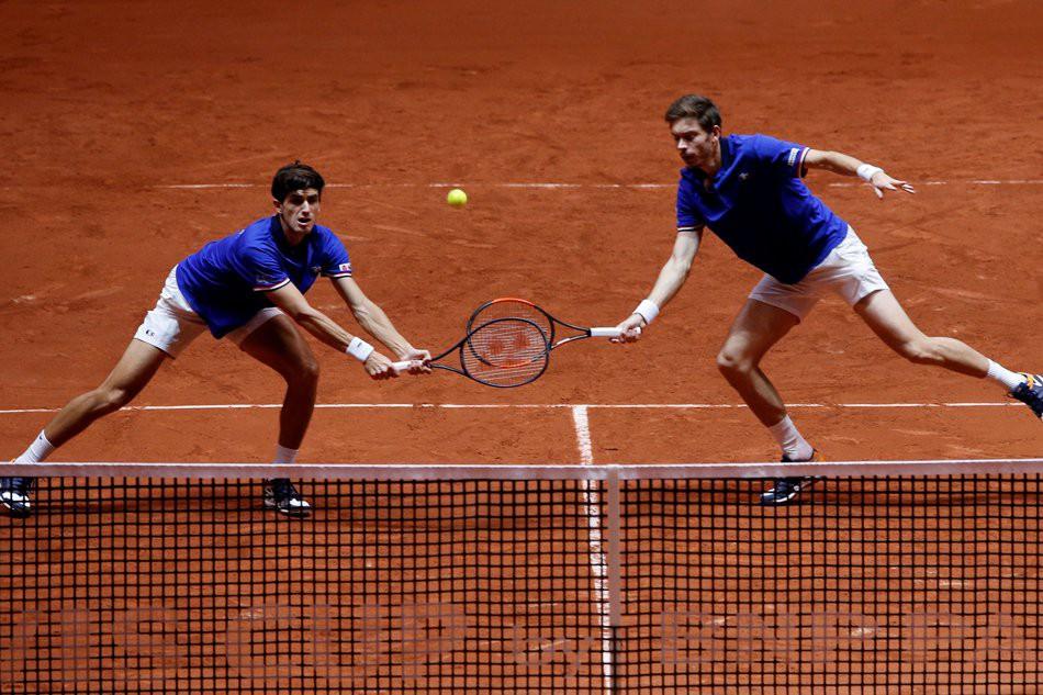 Pháp níu giữ hi vọng ở chung kết Davis Cup - Ảnh 2.