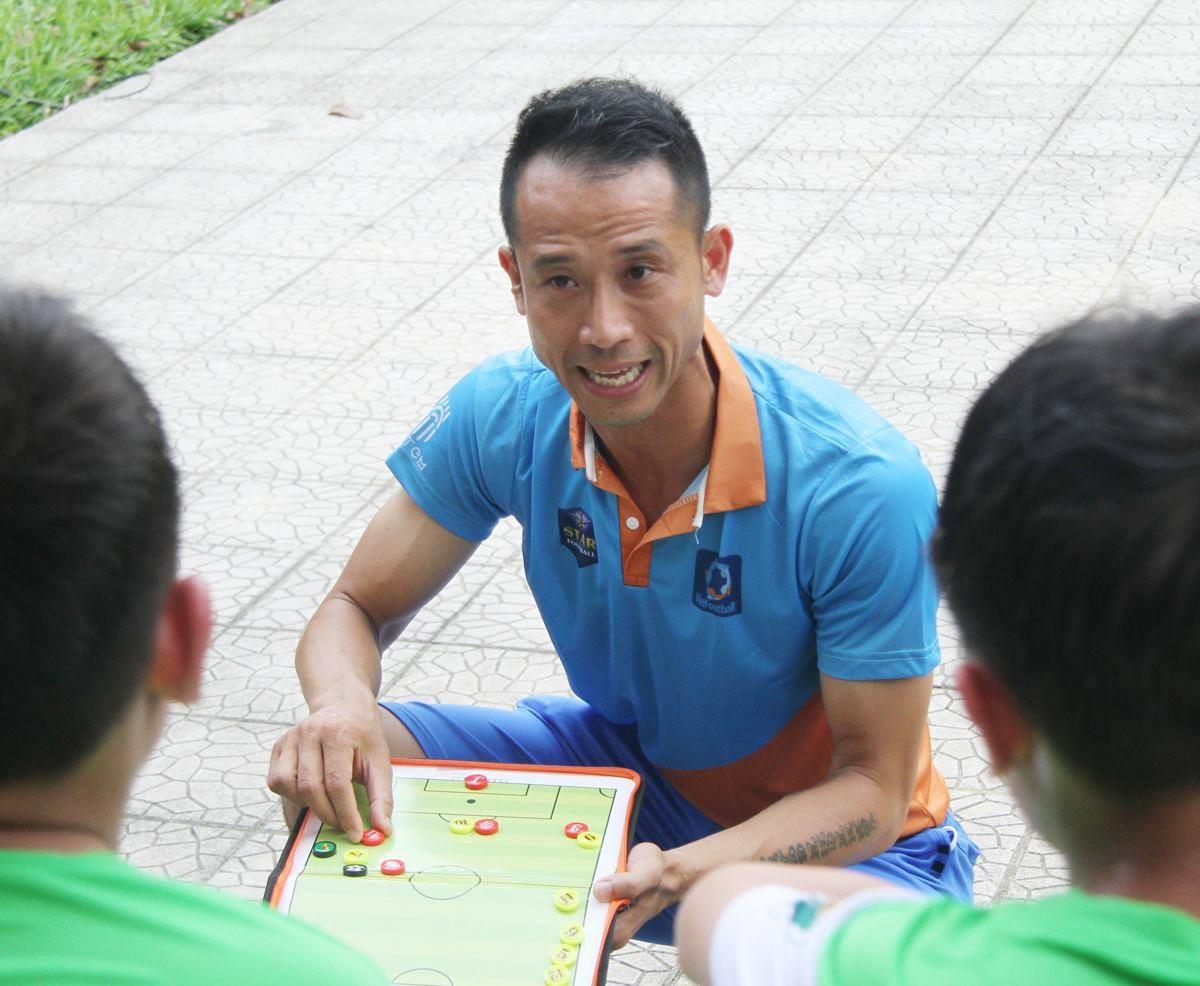 """Cựu trung vệ Vũ Như Thành: """"Tôi chạnh lòng vì chưa từng được VFF tặng 1 tấm vé xem đội tuyển"""" - Ảnh 2."""