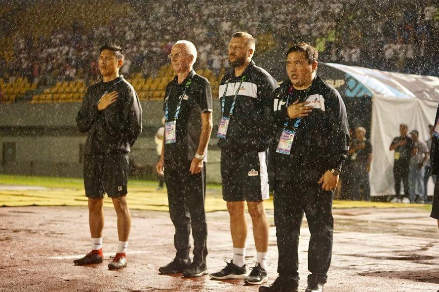 Đội trưởng Philippines cảm thấy rất khác trước trận gặp Việt Nam tại bán kết AFF Cup 2010 - Ảnh 4.