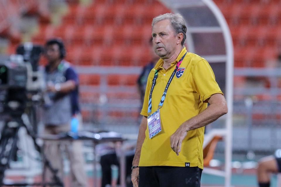 HLV Thái Lan nói gì khi đội nhà đứng đầu vòng bảng AFF Cup 2018? - Ảnh 3.