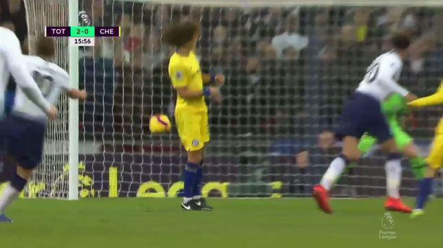 Choáng với số lần David Luiz báo hại bàn thua cho Chelsea ở giải NHA mùa này - Ảnh 3.