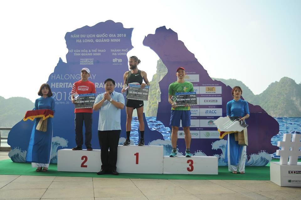 ĐKVĐ 100km VMM chịu thua kỷ lục gia 100km thế giới Lee Grantham ở Hạ Long - Ảnh 9.
