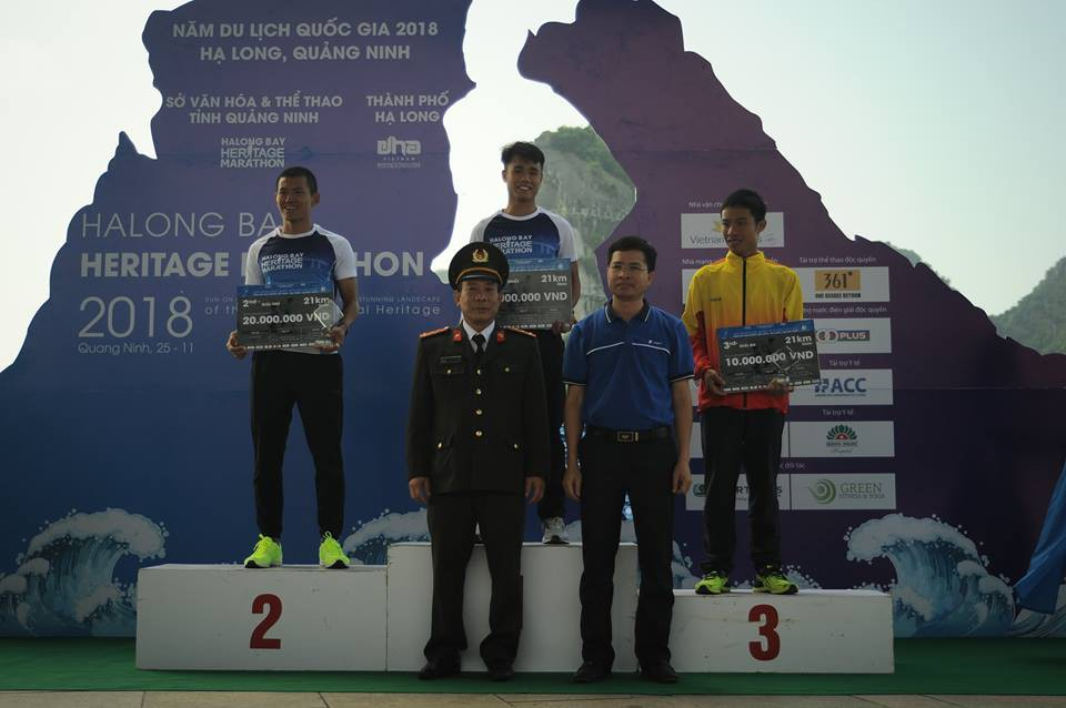 ĐKVĐ 100km VMM chịu thua kỷ lục gia 100km thế giới Lee Grantham ở Hạ Long - Ảnh 12.