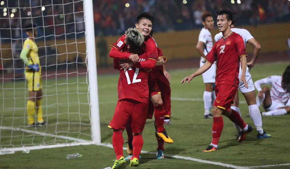 HLV Lê Thuỵ Hải bất ngờ khen ông Park Hang Seo lắm chiêu - Ảnh 1.