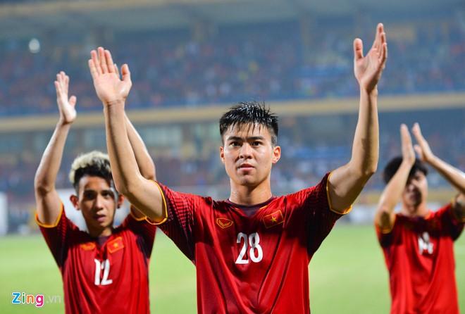 Tuyển Việt Nam sẽ rời Hà Nội vào TP.HCM chuẩn bị cho bán kết AFF Cup - Ảnh 1.