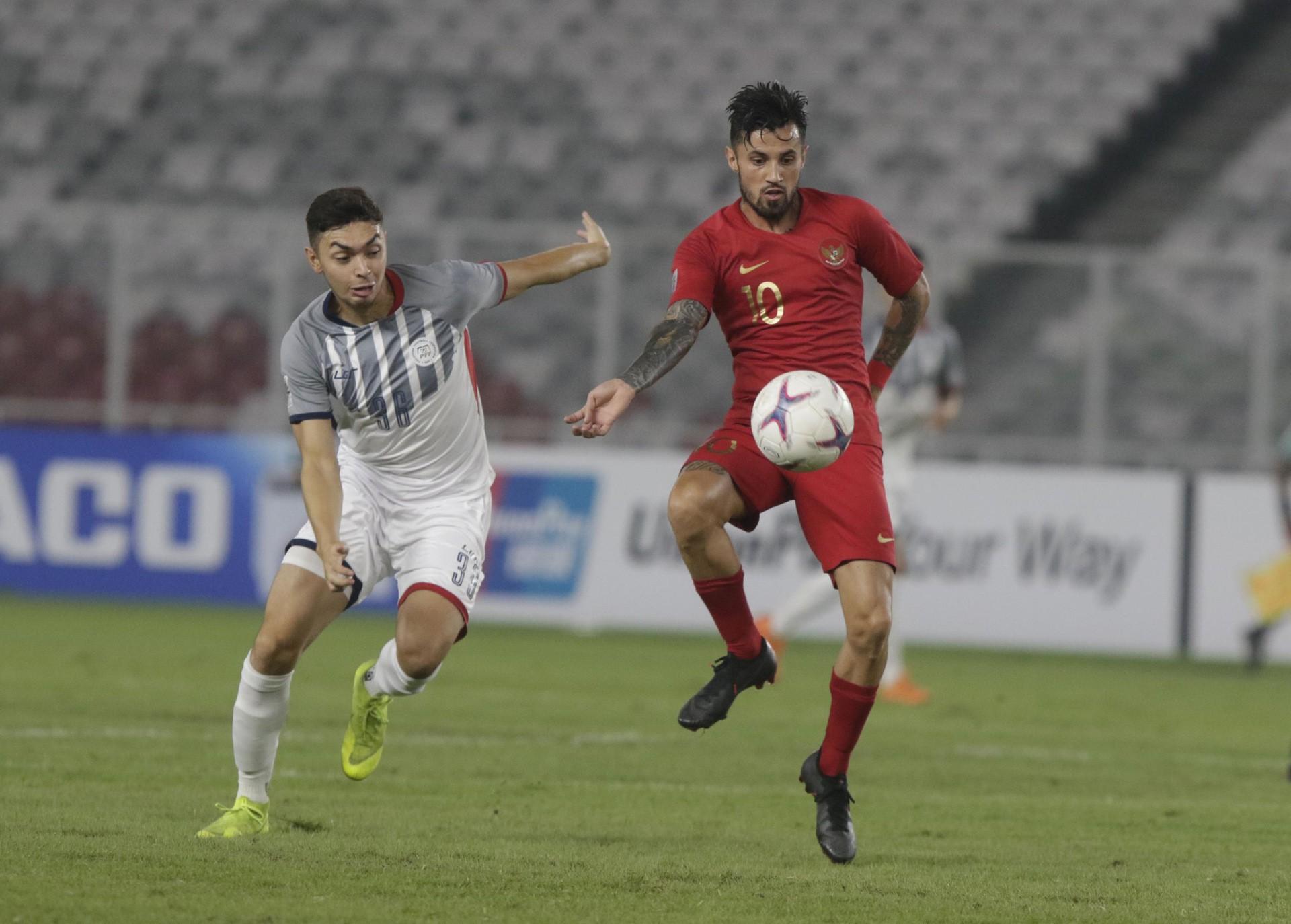 Đội trưởng Philippines cảm thấy rất khác trước trận gặp Việt Nam tại bán kết AFF Cup 2010 - Ảnh 2.