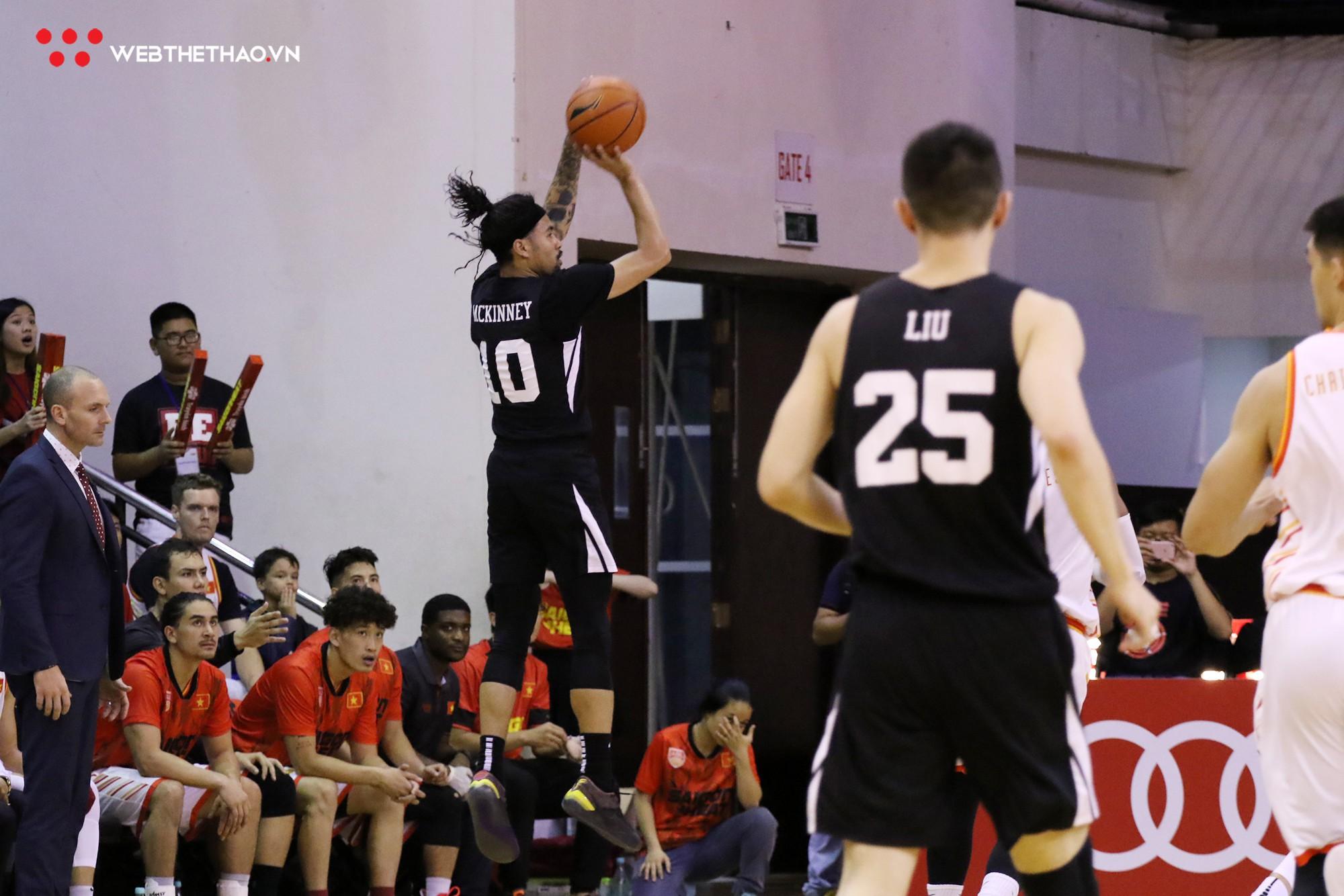Trevon Hughes và Sang Đinh xuất sắc mang về chiến thắng nghẹt thở cho Saigon Heat trước Macau Black Bears - Ảnh 2.
