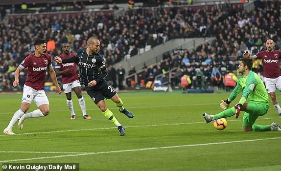 Đè bẹp West Ham, 5 điểm nhấn từ trận thắng 4-0 của Man City tại London - Ảnh 3.