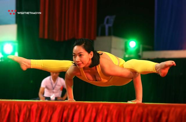 Hấp dẫn sân chơi chuyên nghiệp đầu tiên cho những tín đồ Yoga tại Việt Nam - Ảnh 2.