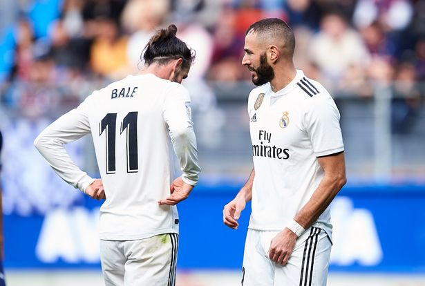 Trong khi đang gặp khó ở Man Utd, Mourinho vẫn được các CĐV Real Madrid cầu khẩn trở lại - Ảnh 2.