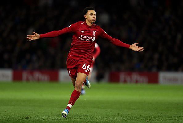 Hậu vệ cánh của Liverpool đã tạo ra khác biệt ngoạn mục thế nào ở mùa này? - Ảnh 1.