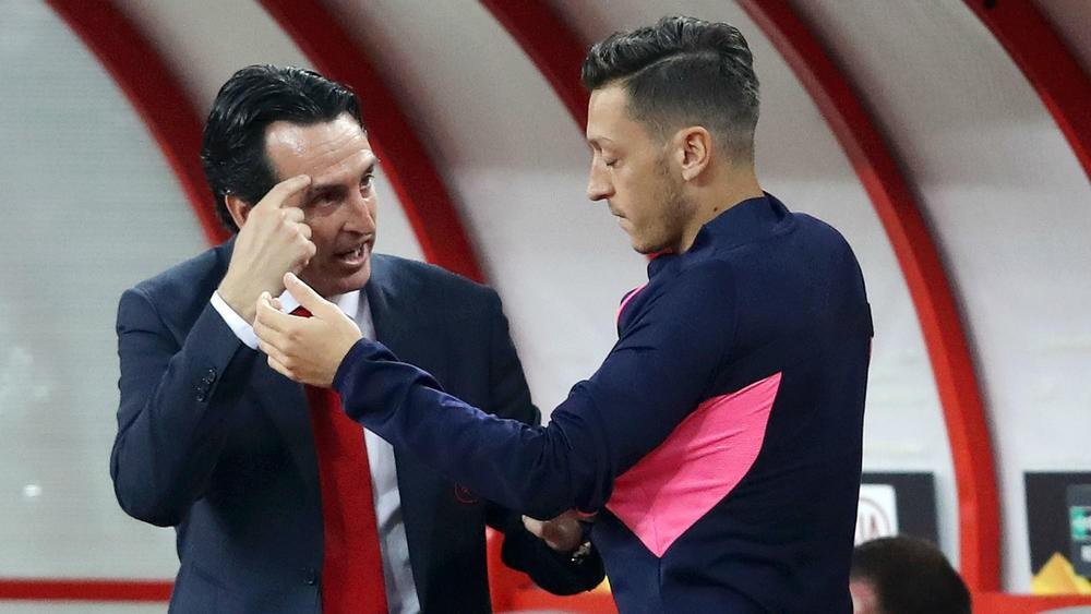 HLV Emery giải thích vì sao đẩy Ozil lên băng ghế dự bị cho trận gặp Bournmouth - Ảnh 3.
