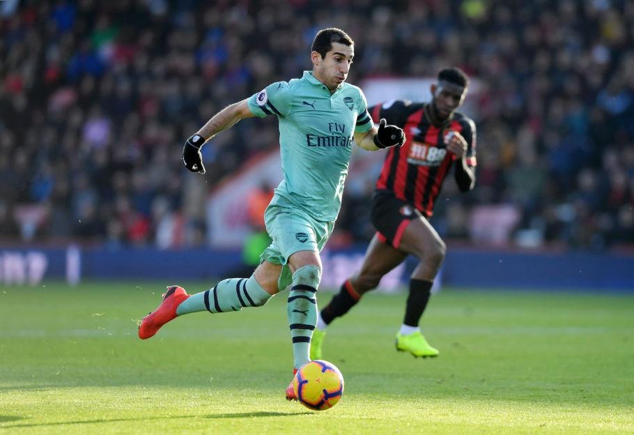 Arsenal và Man Utd đã lừa dối nhau trong thương vụ hoán đổi Mkhitaryan - Sanchez? - Ảnh 1.