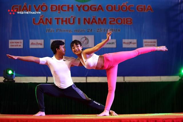 Ấn tượng những đôi uyên ương tỏa sáng tại Giải vô địch yoga quốc gia lần thứ nhất năm 2018 - Ảnh 16.