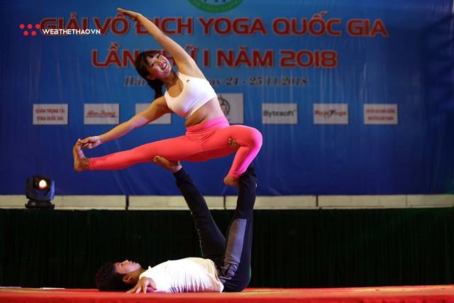 Ấn tượng những đôi uyên ương tỏa sáng tại Giải vô địch yoga quốc gia lần thứ nhất năm 2018 - Ảnh 13.