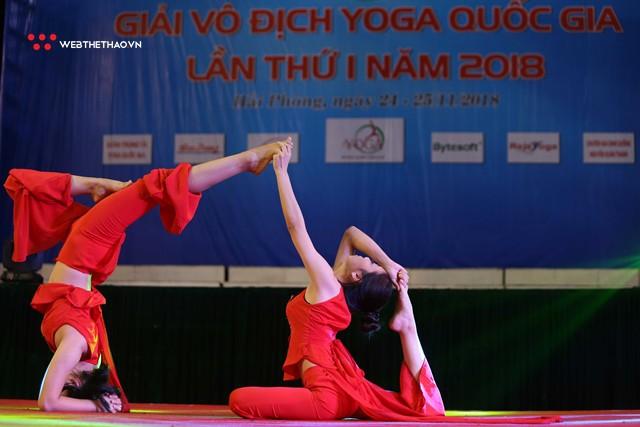 Ấn tượng những đôi uyên ương tỏa sáng tại Giải vô địch yoga quốc gia lần thứ nhất năm 2018 - Ảnh 7.