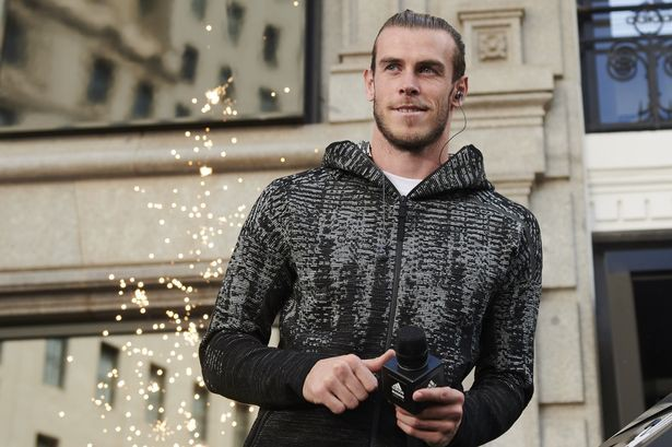 Ngôi sao nào vô đối trong Top 5 cầu thủ bóng đá kiếm tiền giỏi nhất thế giới? - Ảnh 3.