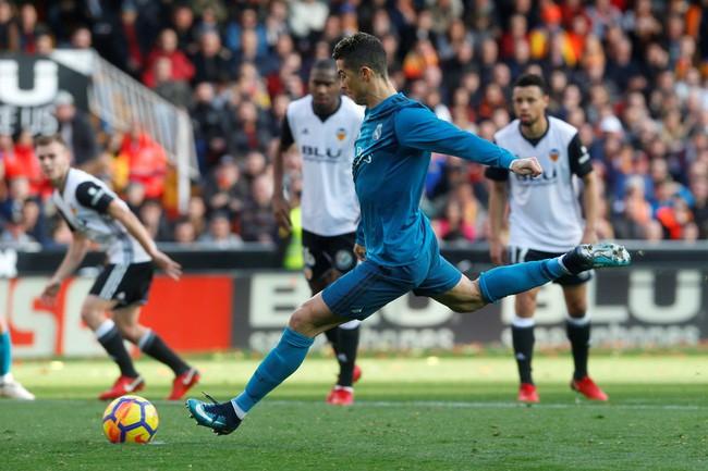 Thống kê khó tin chỉ ra Ronaldo đang đứng trước cơ hội vàng báo thù Valencia - Ảnh 9.