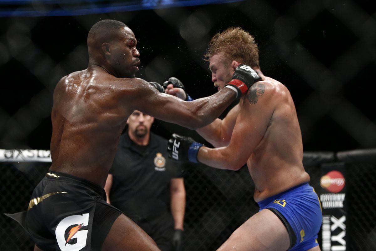 Jon Jones thú nhận tình trạng... phê pha triền miên dù đang chuẩn bị UFC 232 - Ảnh 3.