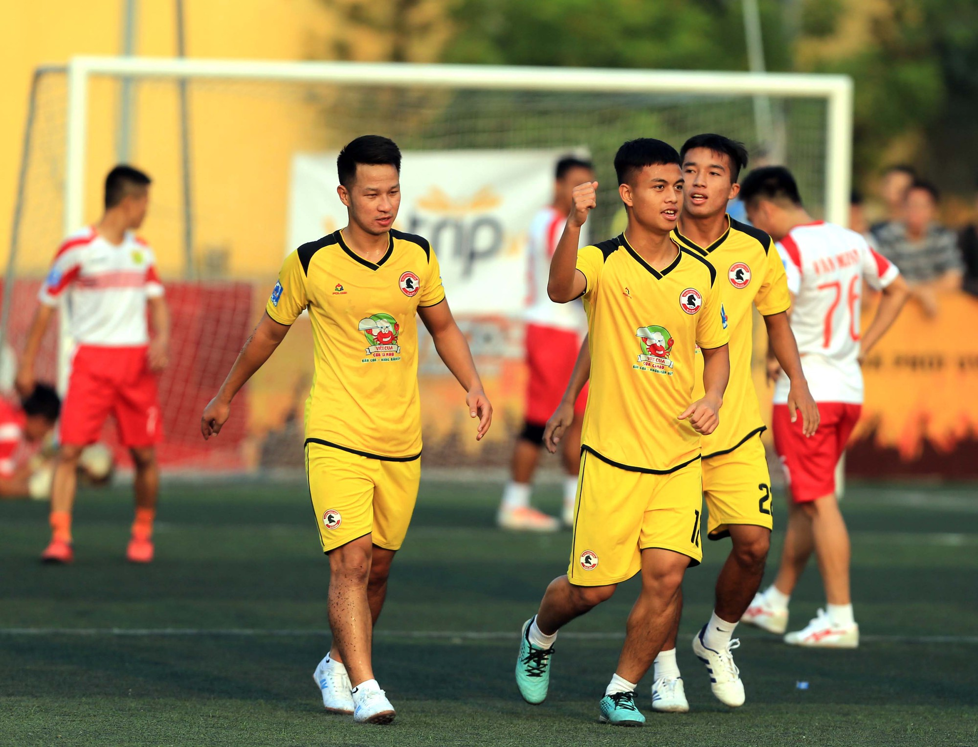 Bầu Việt Quảng Ninh: Bóng đá là trò chơi của đàn ông - Ảnh 2.