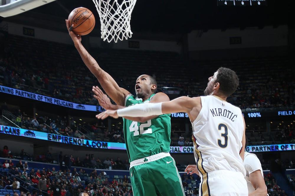 Cuối cùng Kyrie Irving cùng Boston Celtics đã chơi trận ra trò trong chiến thắng trước New Orleans Pelicans - Ảnh 1.