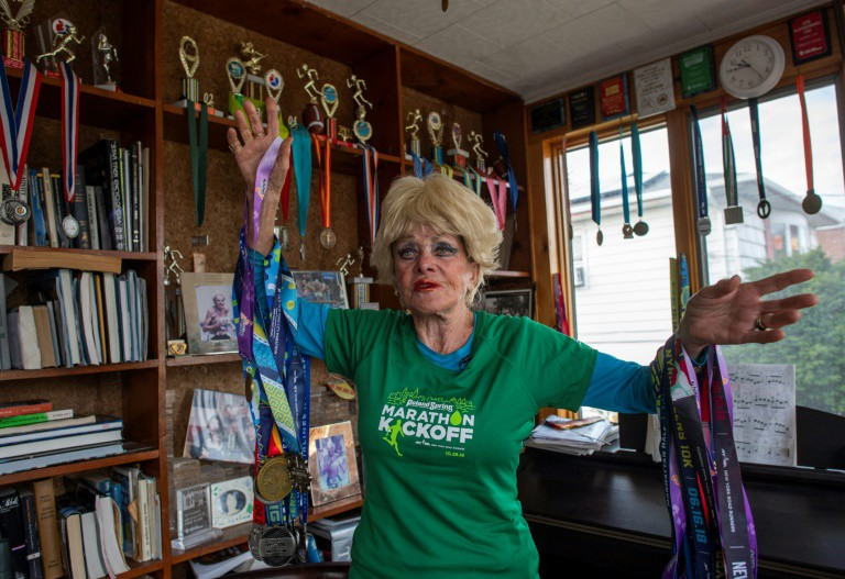 Cụ bà 85 tuổi vẫn chạy Marathon, vẫn yêu đương - Ảnh 5.
