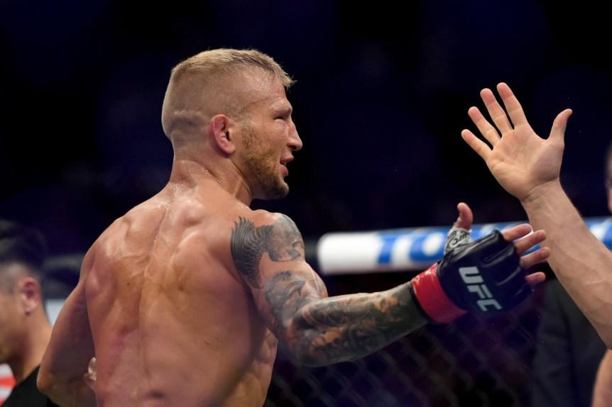 Trận Superfight tiếp theo của UFC đã chính thức được ấn định vào ngày 26/1 - Ảnh 2.