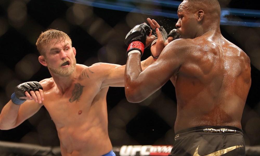 Jon Jones thú nhận tình trạng... phê pha triền miên dù đang chuẩn bị UFC 232 - Ảnh 2.
