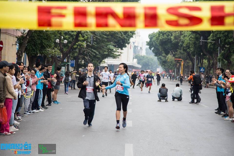 Chạy với tôi - 2gether 2018: Chạy để đồng cảm với người khiếm thị - Ảnh 2.